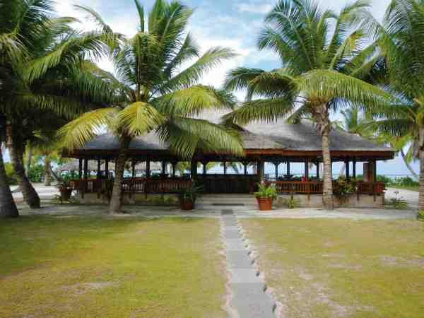 Tropisk fiskeri, sol palmer og en skyggefuld restaurant, hvor man kan slappe af oven på en lang dag med fluestangen – hvad mere kan man ønske sig? Vil du selv afsted kan du læse mere på: www.alphonse-resort.com