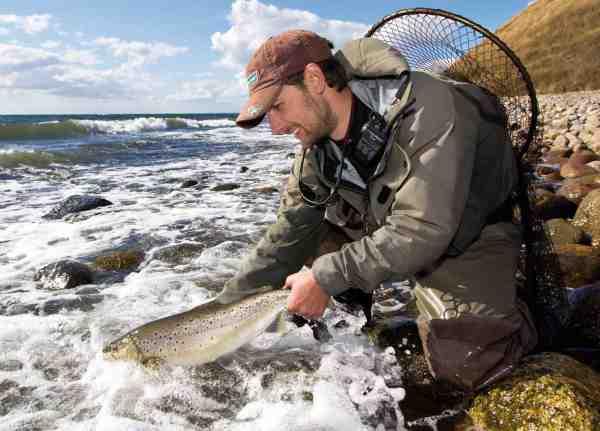 Fisk & Fri's David Thormar med en pragtfuld efterårsfisk, fanget og genudsat få dage inden fredningen medio september.