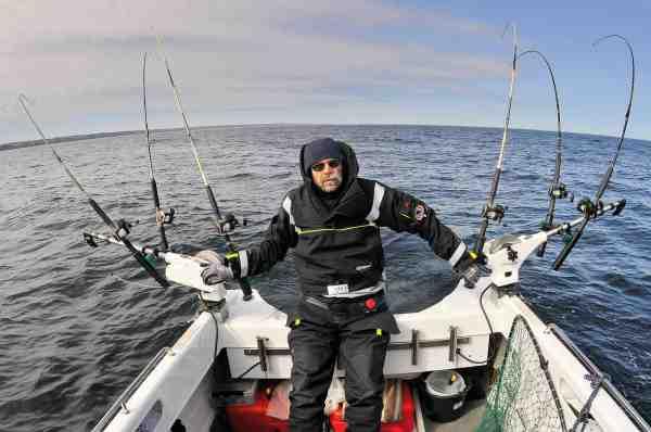 Poul Stadler mener, at for drastiske fangstbegrænsinger for danske trollingfiskere kan være fatalt for de lokalsamfund, der er afhængige af lystfiskerturisme.