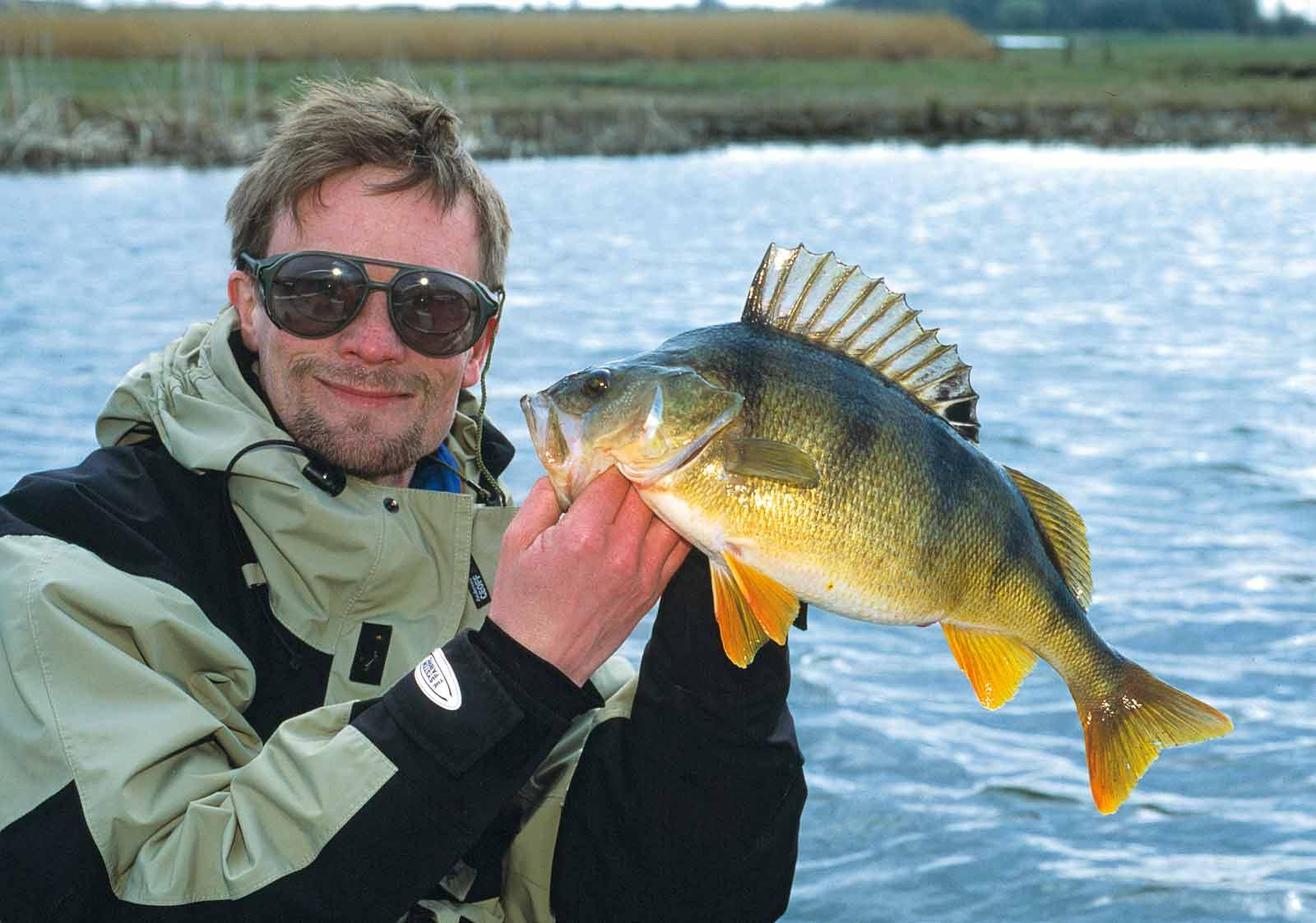 Jens Bursell med flot aborre