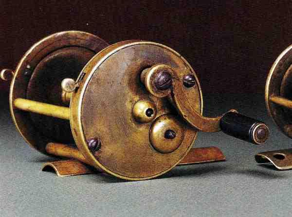 Verdens første multiplikatorhjul – »Snyders multiplying sa winches«. En urmager ved navn George Snyder konstruerede i begyndelsen af 1800-tallet et hjul med udveksling til sig selv og nogle venner. Senere producerede to brødre Meek, der også var urmagere, ud fra Snyders hjul, nogle hjul, der blev solgt under navnet »Kentucky Reels«.