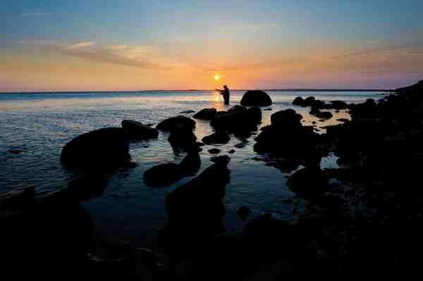 Skelby området på en lækker efterårsaften. Måske er det lige nu, at en af Falsters store havørreder hugger.