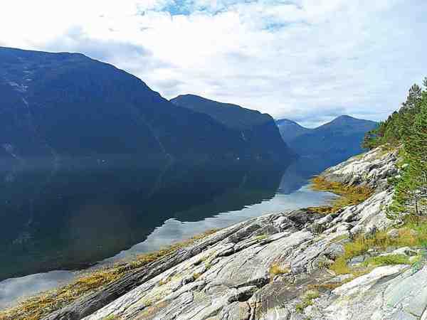 Omgivelserne i Norge er enormt smukke. Her lugter der langt væk af storsej.