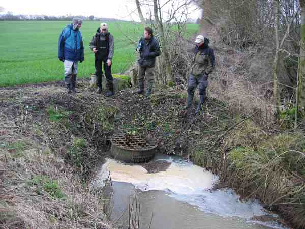 Rørlagte vandløb kan virke som spærringer og den rørlagte strækning er aldrig egnet som gyde- og opvæsktområde.