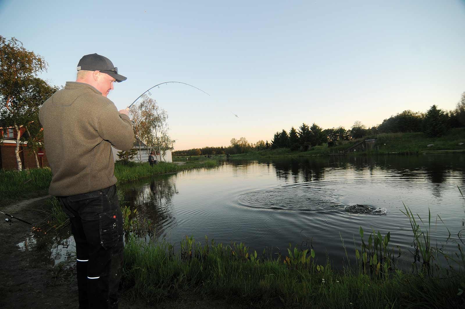 Natfiskeri i put and take´en