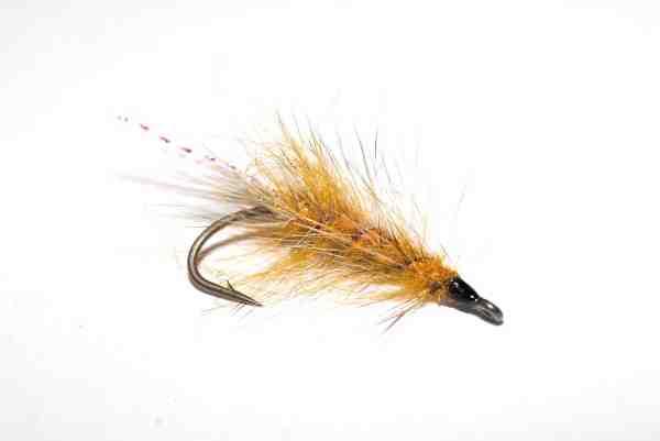 Kays Den Gule er Kay Scharks simple rejeflue. Den bruges af stort set hele Havørredkliken og har masser af gode fisk på samvittigheden.