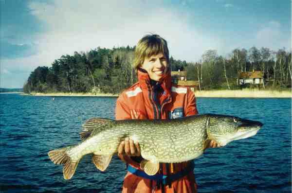 Thomas Petersen er en dygtig geddefisker – her med en flot 14 kilos fisk fra de glade firsere. Til daglig arbejder han som direktør i Fairpoint Outdoor, der står bag produkter som fx Kientic og Westin
