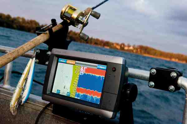 En god plotter med integreret ekkolod er ikke blot essentiel til at finde fiskene, men også en ekstra sikkerhed, når man skal finde sikkert i havn.