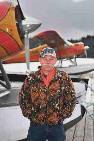 Jeff, som flyver vandflyveren, er en super sympatisk amrikaner med stort A. Han hjælper gerne Fisk & Fri's læsere.