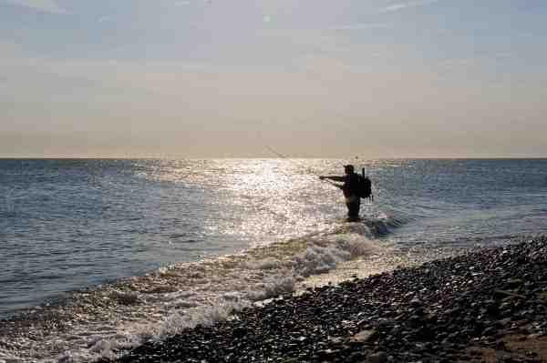 Sydvestkysten buder på flere fede badekar, hvor fiskene ofte opholder sig. Her er det ikke nødvendigt at vade langt ud.