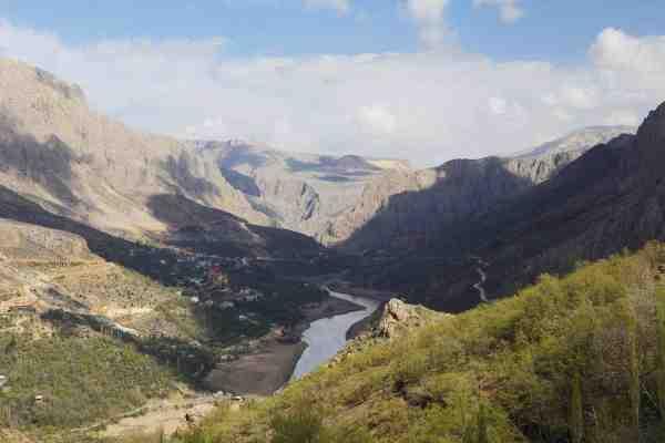 De øvre dele af den over 3000 kilometer lange Eufrat byder på et utroligt smukt bjerglandskab.