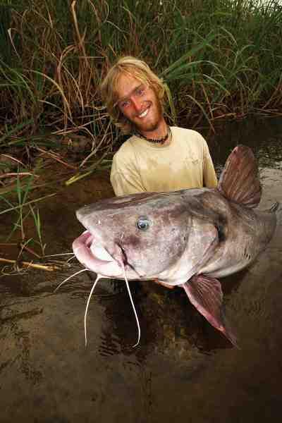Mamba-mallen er verdens stærkeste ferskvandsfisk pund for pund ifølge Jakub Vágner. Her står ham med et eksemplar, som gav han endnu en verdensrekord. Men som Jakub siger – så er dette eksemplar blot en lille fætter. Den sagnomspundne fisk kan nå en længde på fire-fem meter.