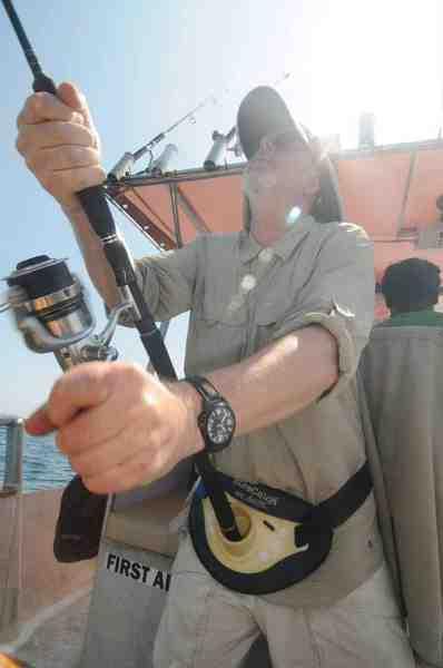 Jørn Bæk giver den gas og fighter en tun der huggede på en lille gummiblæksprutte.