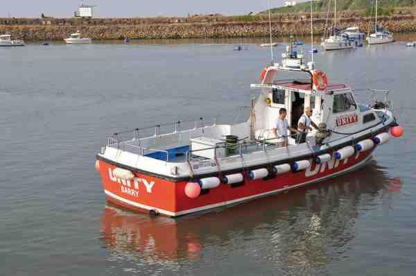 Skibet Unity ligger i havnebyen Barry, og har god plads til en mindre gruppe fiskere.