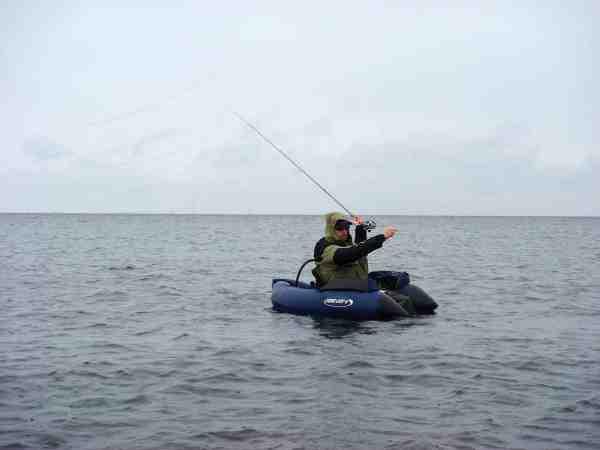 Der findes også godt med fisk på distancen. Helt derude hvor selv den dygtigste spinfisker ikke kan nå ud.
