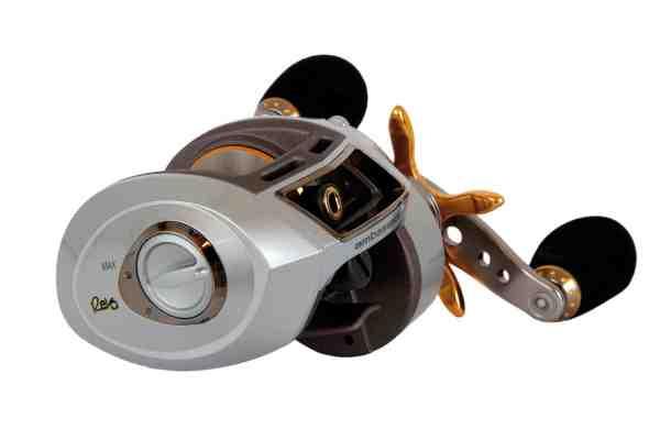 Magnetbremsen kan nemt justeres uden på hjulet – her ABU Revo Premier.