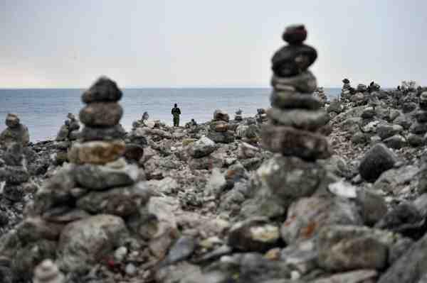 Klint er med sine mange menneskeskabte stenvarder en letgenkendelig plads, som fisker ekstremt godt på de efterårsdage, hvor fiskene trækker mod fjorden.
