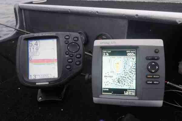 Gert anvender Humminbird Marine 87c som ekkolod, men er helt vild med Garmins TopoDanmark på, så han har også installeret Garmins GPSmap 521s som plotter.