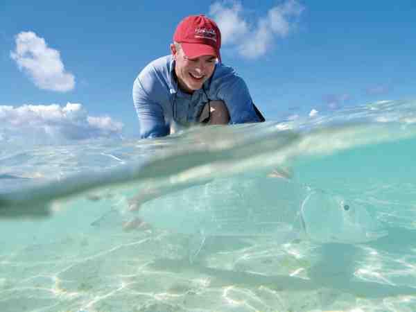 Bonefish er der masser af på Seychellerne – og de bliver alle fanget på modhageløse kroge, så de let kan genudsættes.