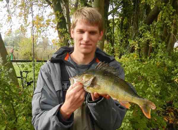 Kasper Christensen vandt konkurrencen sidste år med denne flotte aborre på  1,231 kg.