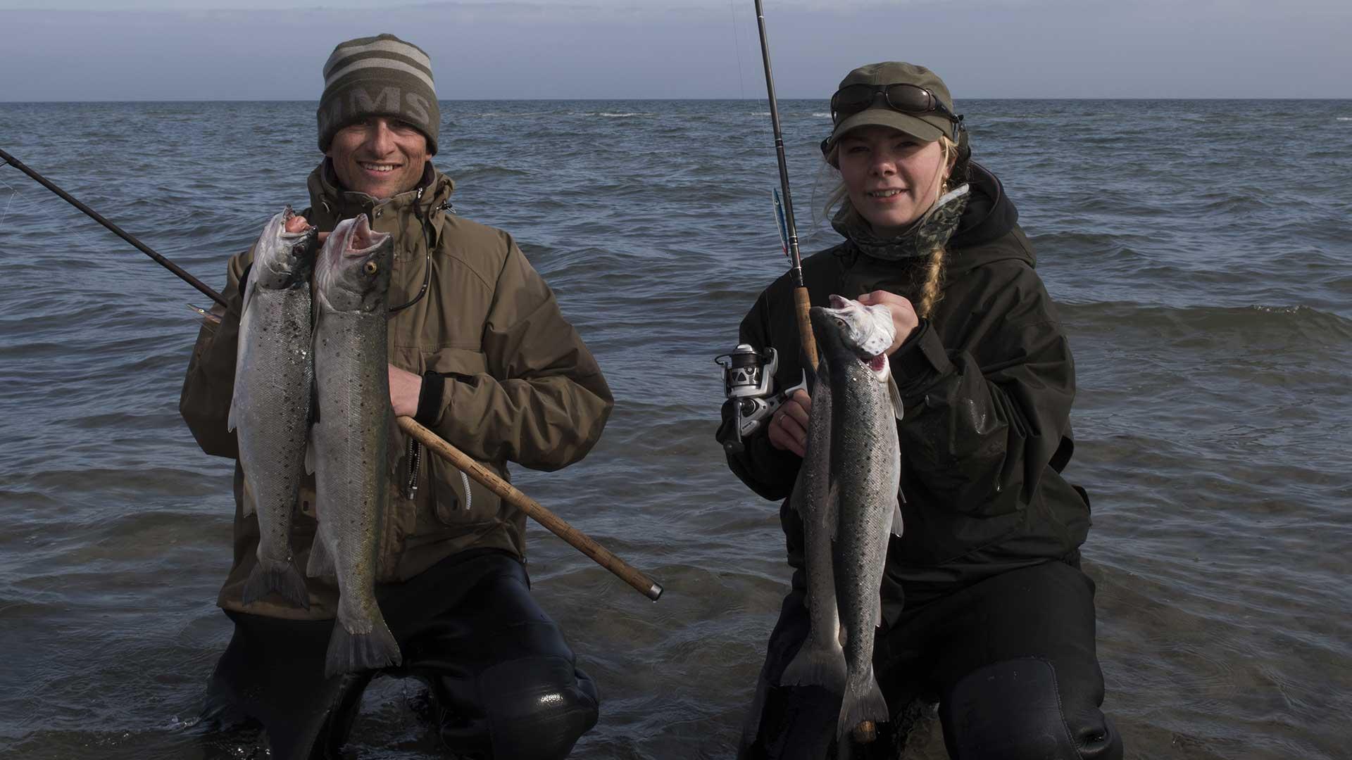 Rasmus og Stella med et par gode fisk fra Falster.