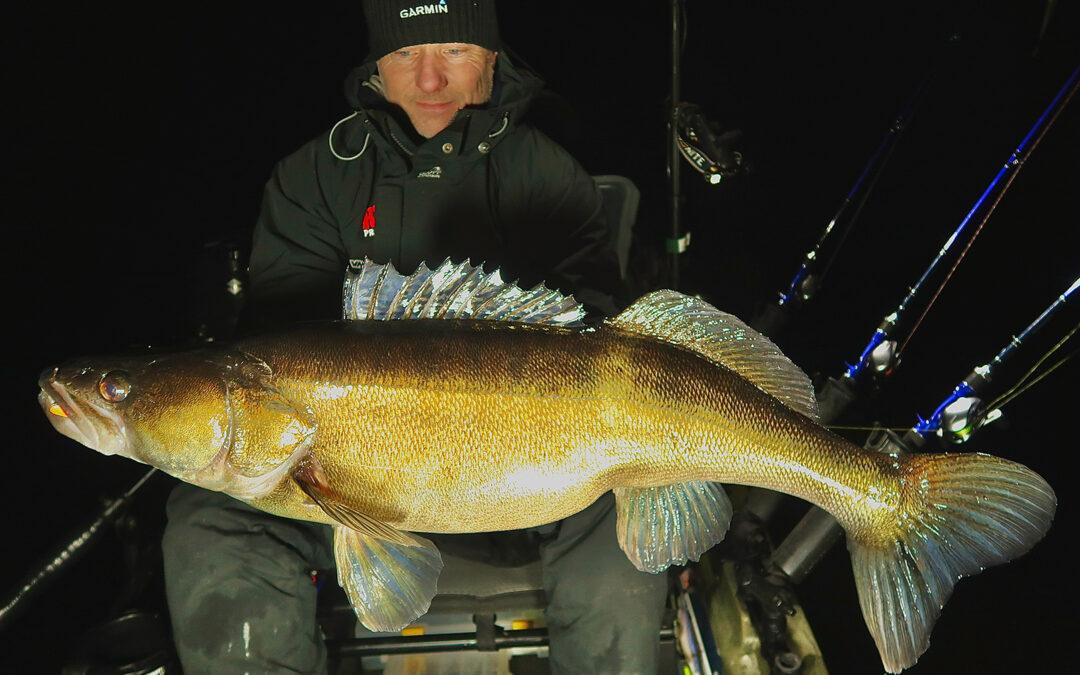 Tomm Blomander sandart 8,94 kilo fra kajak på vertikalfiskeri