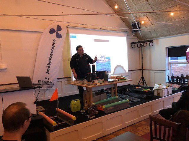 Per Sjøstrøm holder foredrag.