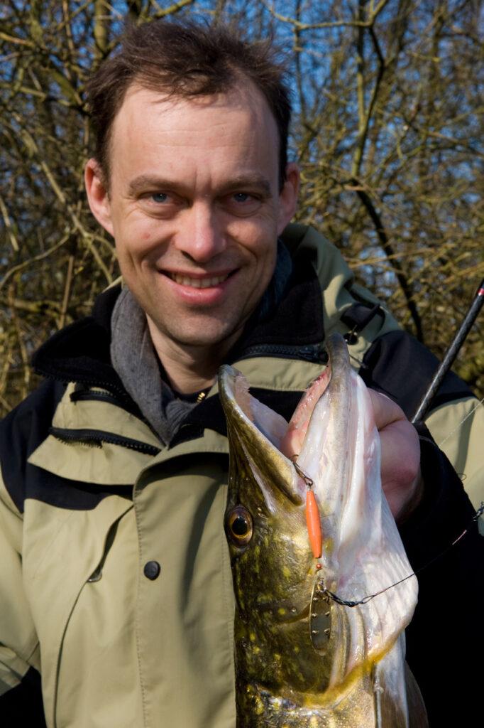 En geddetur til den lokale mose er en god start på ens fiskekarriere