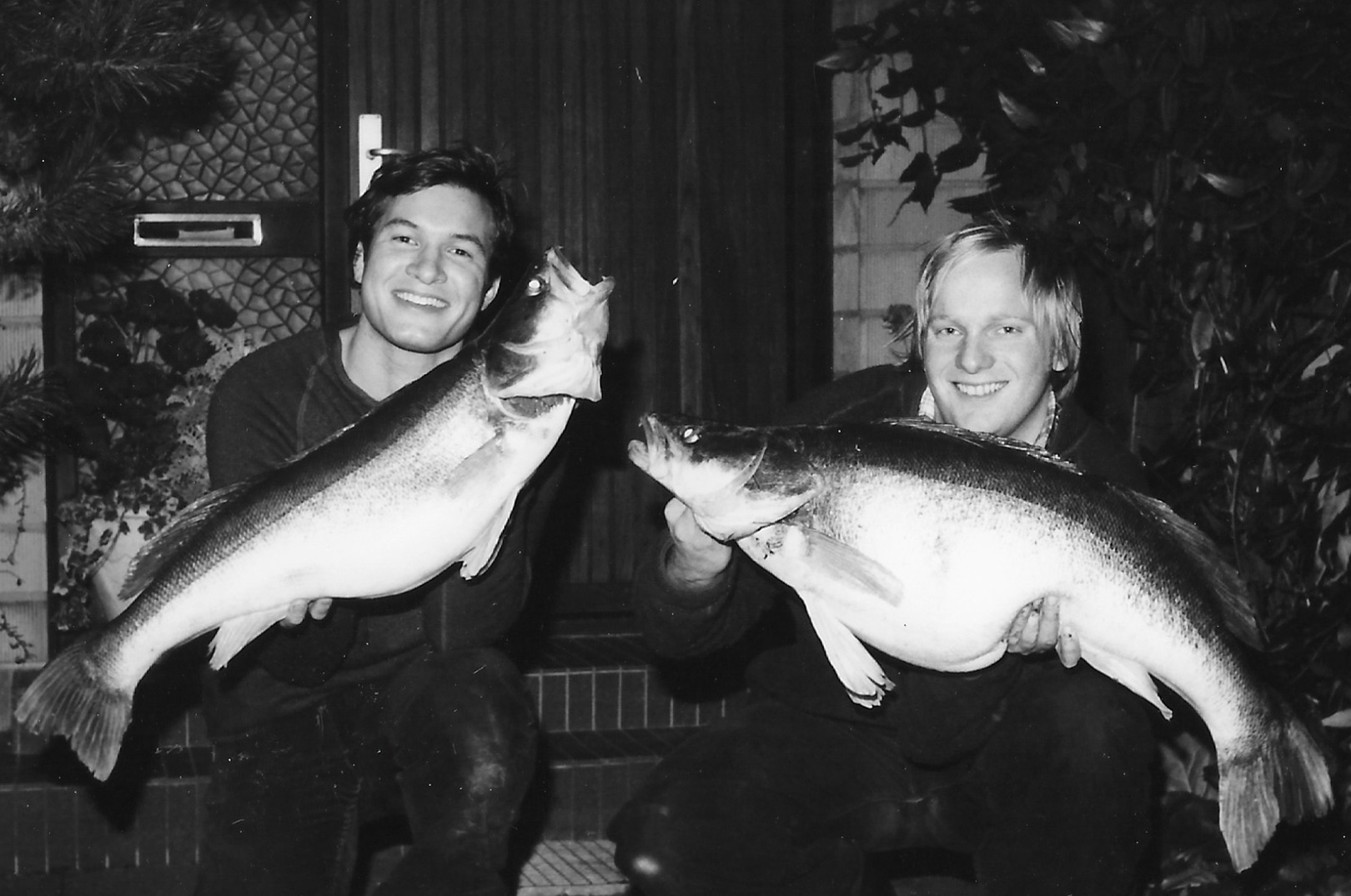 Ulf Hansen og Carsten Gilder med to store sandart fra Haraldsted Sø