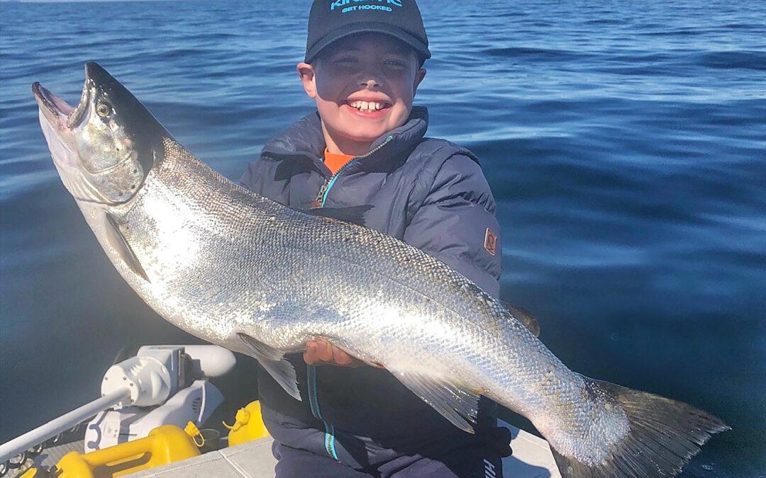 Jonathan Holm NIelsen me3d sin flotte 6,2 kilos havørred taget på trolling.