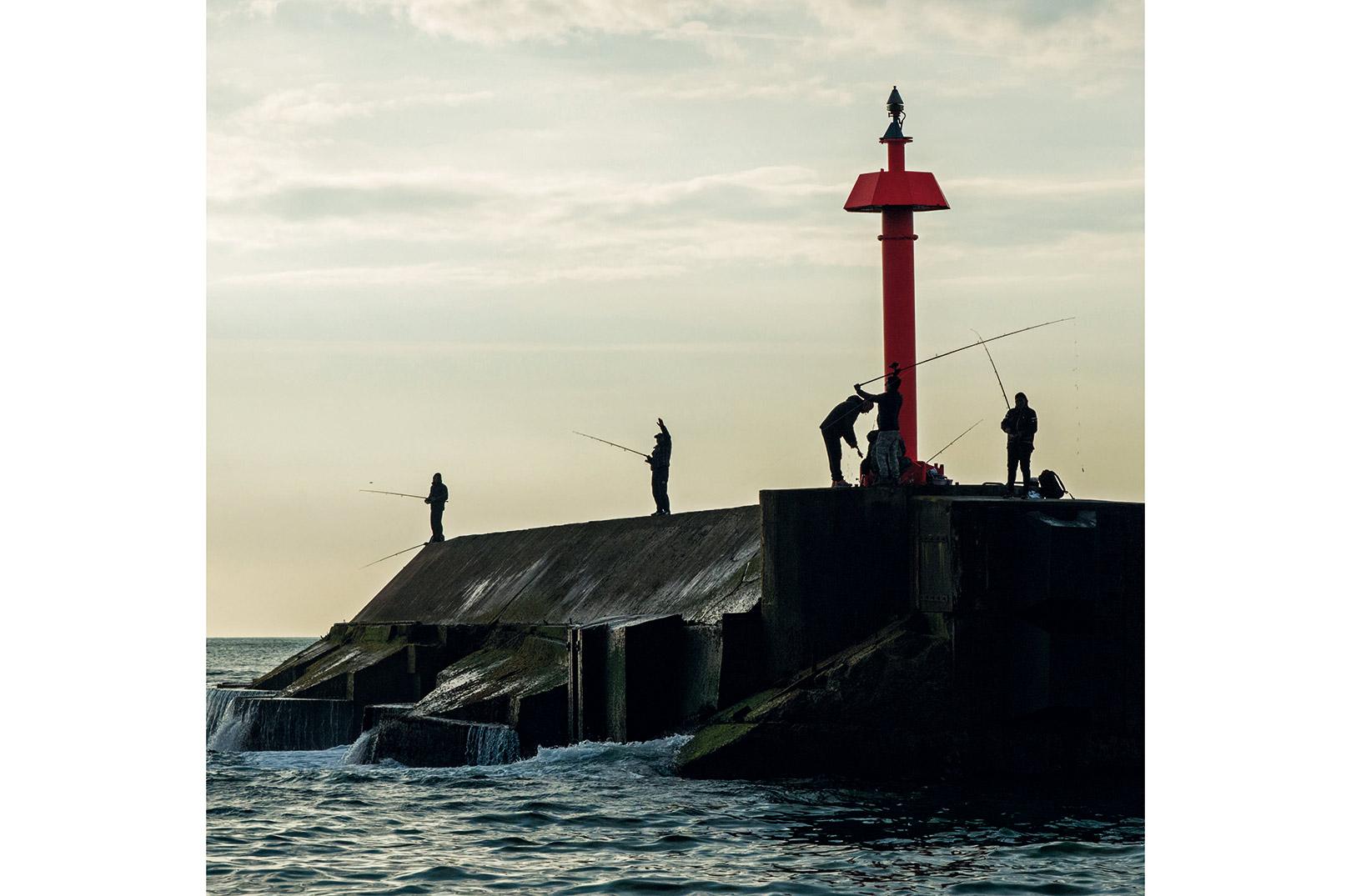 Morgenstund på ydermolen. Det gælder om at være på plads, når havet er roligt.