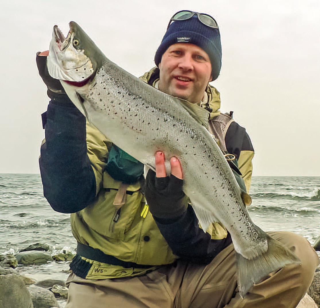 Forfatteren Stefan Nölting besluttede sig for at køre sydpå en dag, hvor alle andre fiskede vestkysten. Et godt valg… 80 centimeter i andet kast.