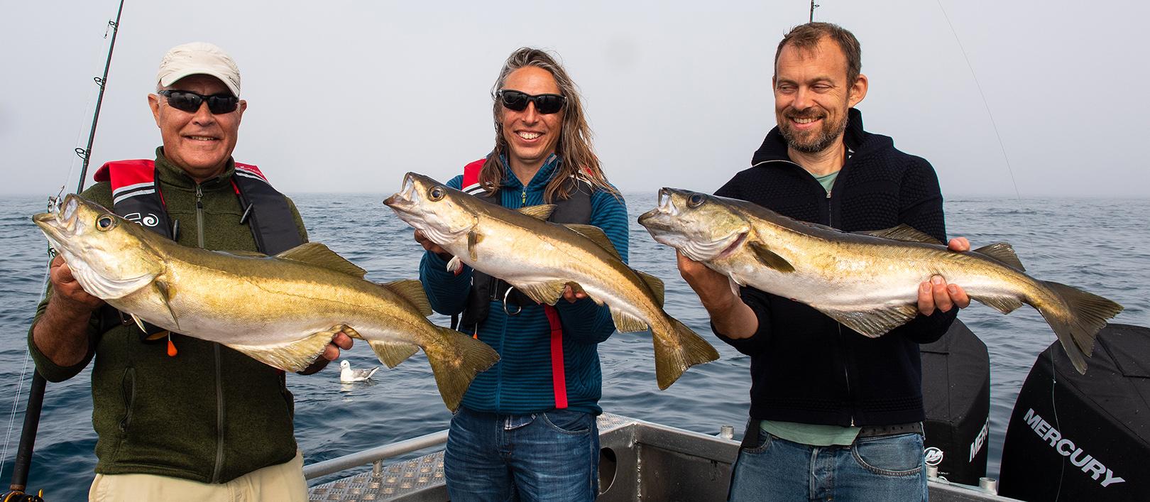 Niels, Elmer og Ulrik med hver deres flotte lubber taget ombord på Sally.