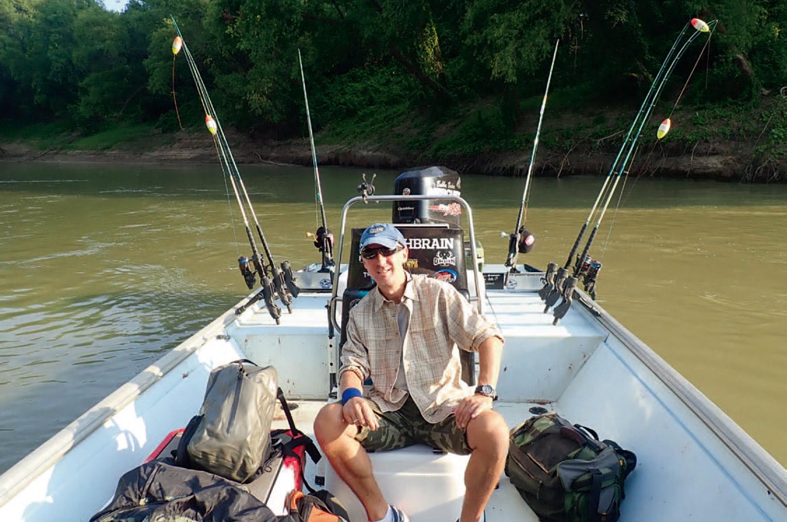 Så er båden pakket til endnu en usædvanlig varm dag på Trinity River.