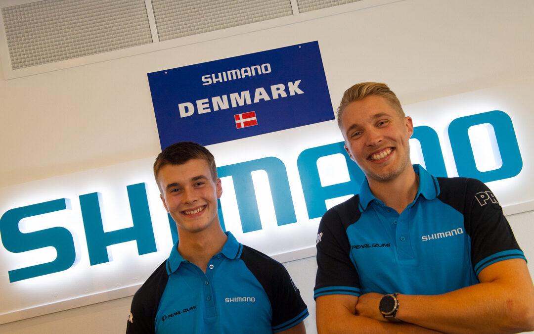 I Danmark vil salget af Shimanos produkter blive varetaget af Adam Davis (tv) og Andreas Peter Rasmussen (th).