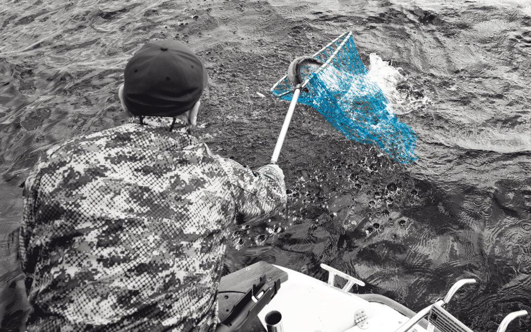 Kastefiskeri efter havørred fra båd kan være super effektivt