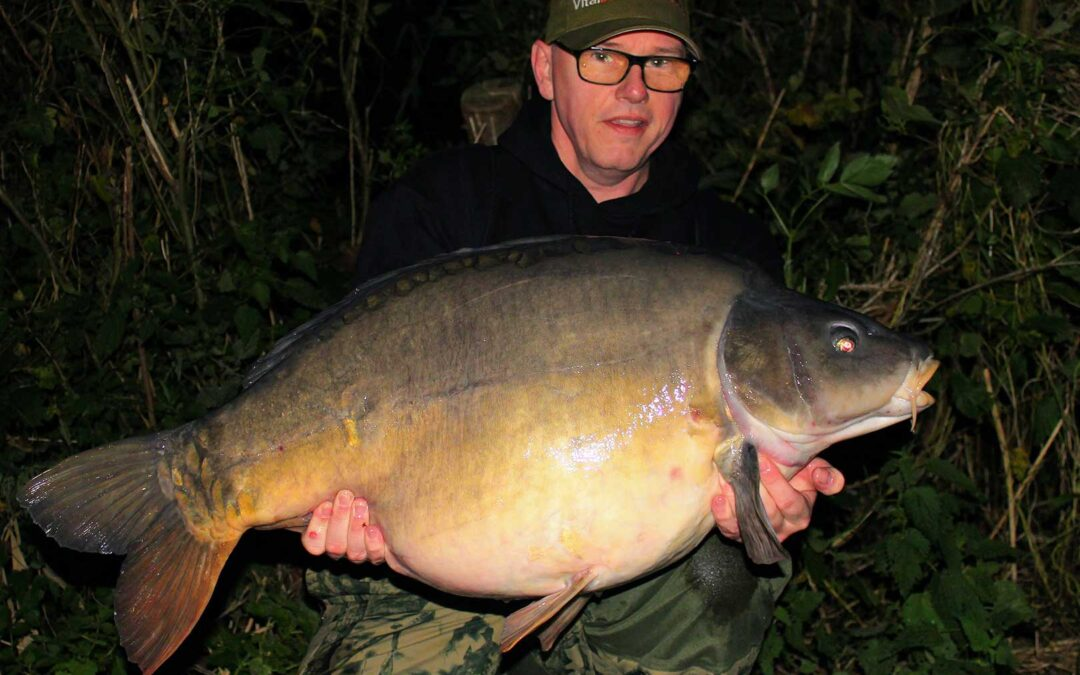 Martin Esberg med sin flotte 19 kilos karpe fra hollandske Carplantis
