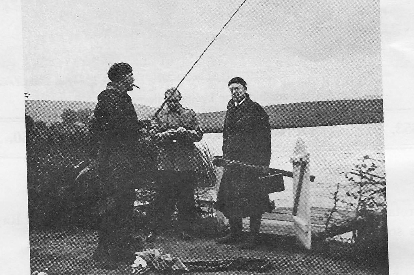 På Radiooptagelse i 1938. Svend Methling med cigar i munden er klar til gedderne. (Foto: Lystfiskeri-Tidende)