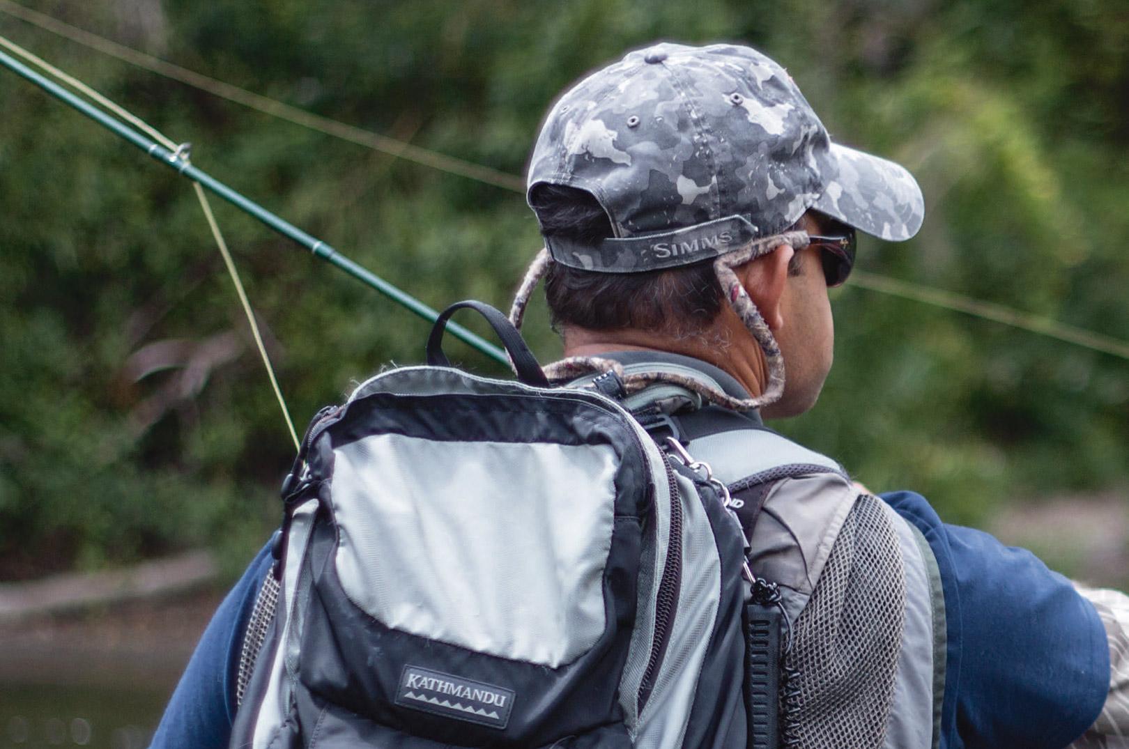 Med over tyve års erfaring som fluefiskerguide, et par verdensmesterskaber i fluefiskeri i nettet og et godt humør, er Rob en af de absolut bedste fluefiskeguider, du finder på New Zealands Nordø.