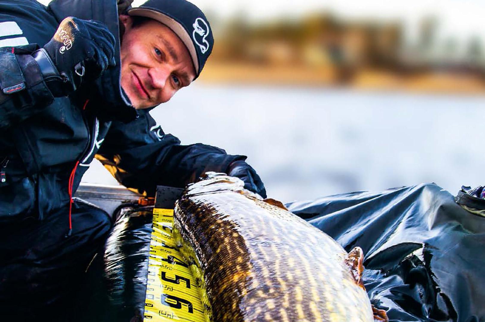 Flot gedde fanget i nærheden af et åudløb en sen eftermiddag. Det kan bestemt godt betale sig at følge byttefiskenes vandringer.