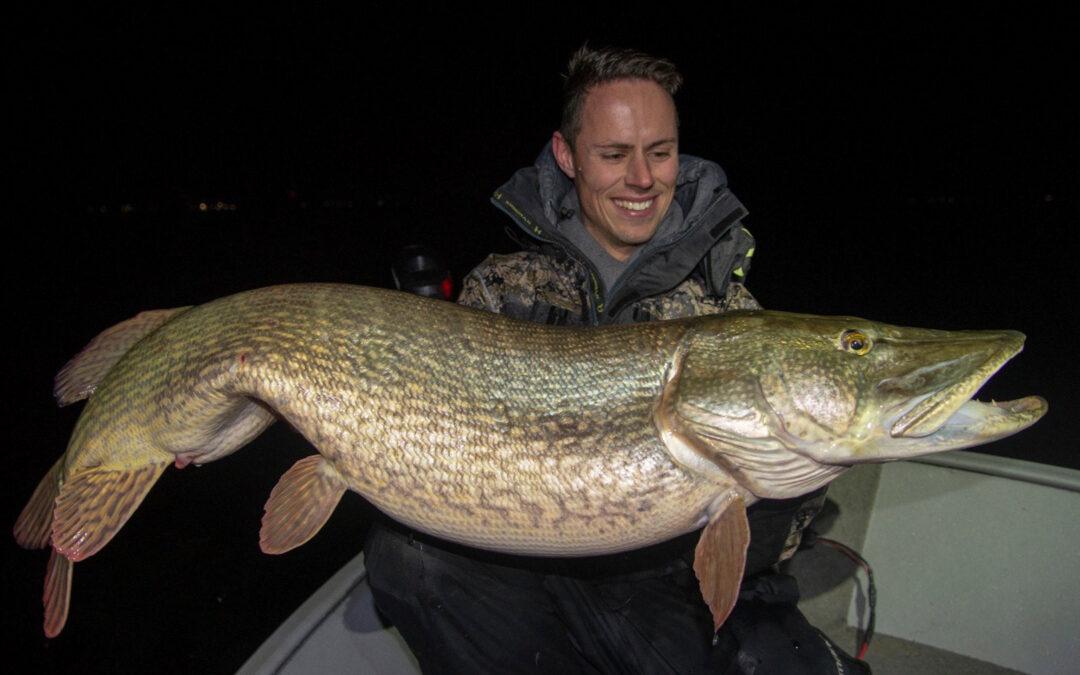 En fantastisk storgedde til Hugo Hegeman på vertikalfiskeri