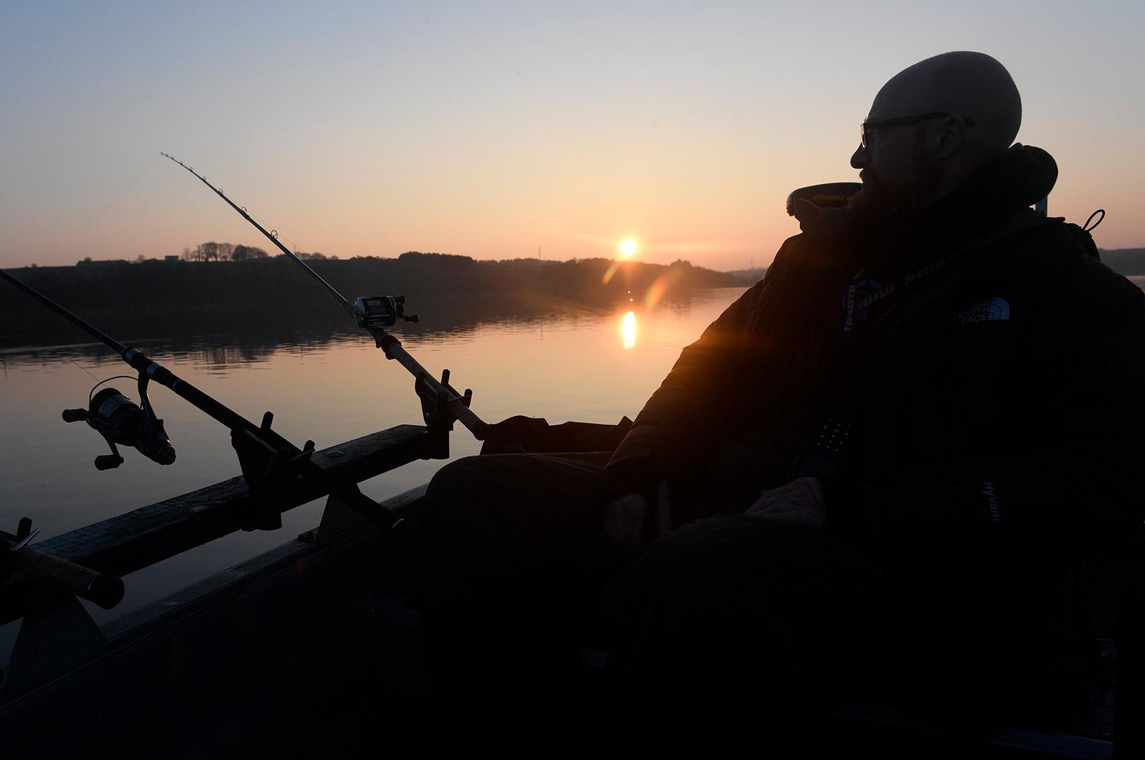Et forbud mod lystfiskeri i de søer som ligger i Natura 2000 områpder ville kunne få store konsekvenser for dansk søfiskeri. Alt tyder heldigvis på at der ikke vil komme et decideret forbund mod lystfiskeri i de 10 % der vil blive udpeget som strengt beskyttet.