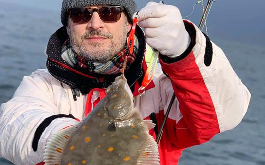På trods af kulden er der godt gang i Øresunds fladfisk lige nu