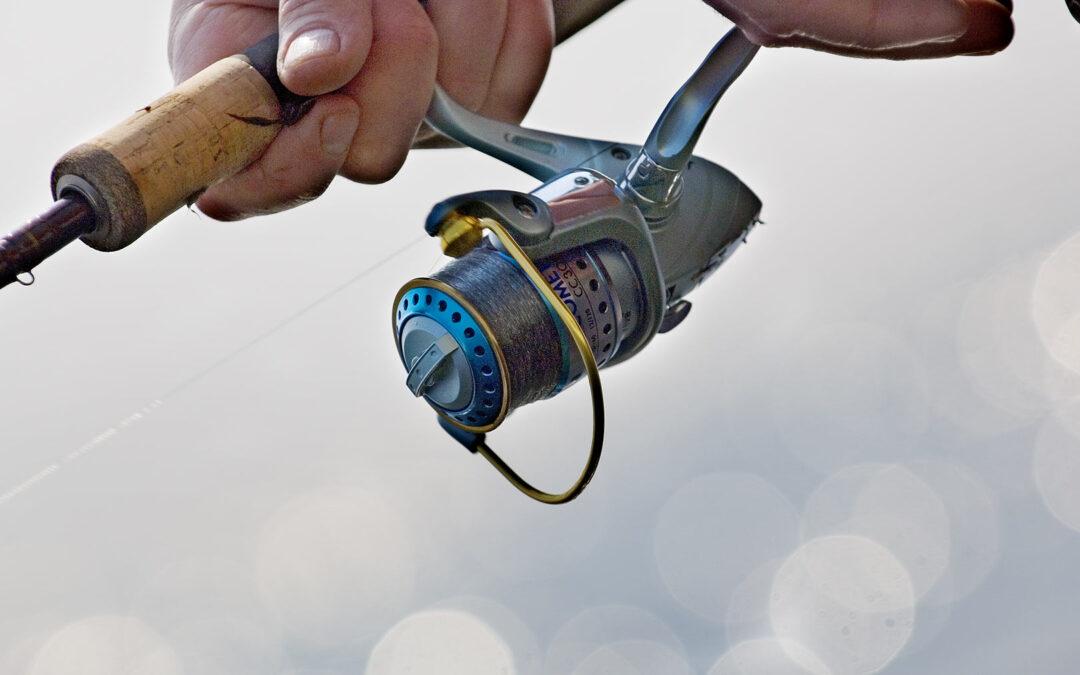 De fynske kyster lokker hvert år tusinder af havørredfiskere ud i den firske luft.