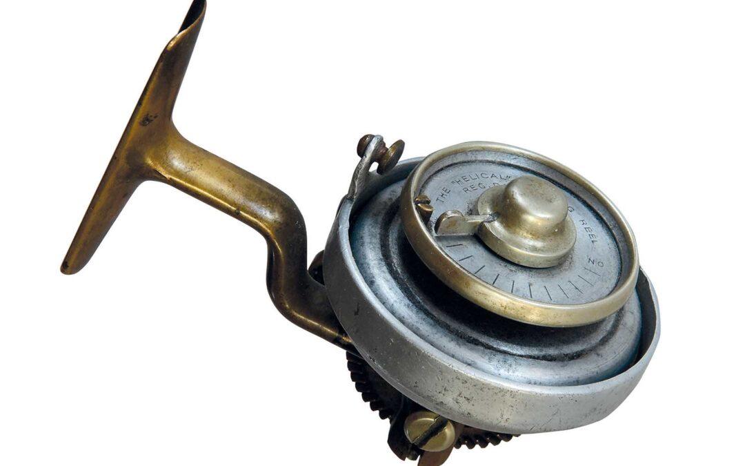 Her kan du se et tidligt engelsk Helical fastspolehjul. Bemærk den meget lille linefører.