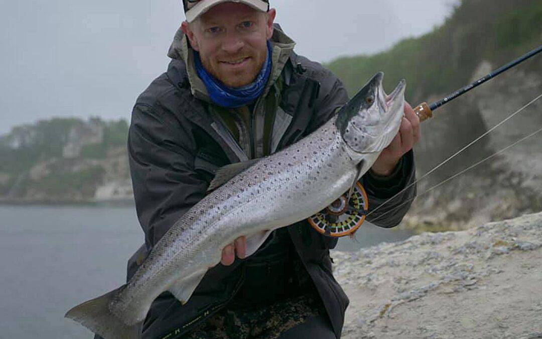 Morten Jensen med sin fine havørred taget på flue
