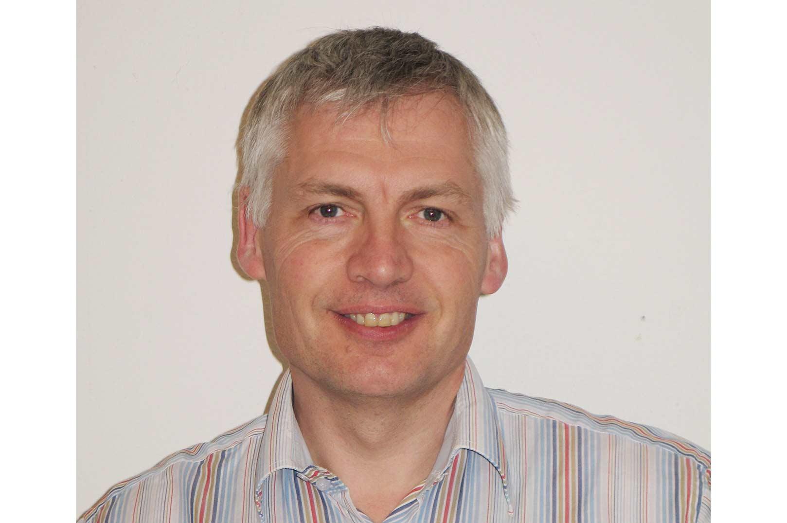 Niels Jørgen Olesen er på professor på DTU og har beskæftiget sig med sygdomme hos fisk og andre akvatiske dyr i snart 40 år.