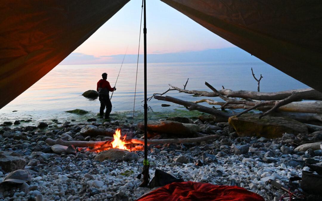 En tarp som denne er det perfekte shelter hvis man bare lige skal have et par timer på øjet midt på natten.