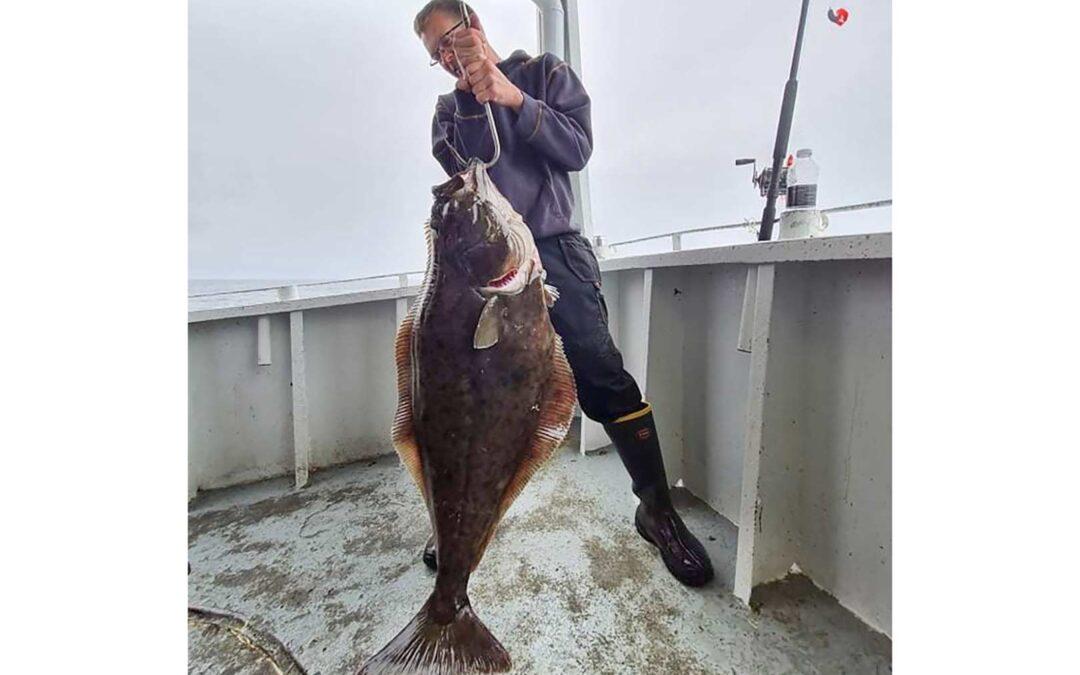 Flemming med sin flotte helleflynder på 32 kilo