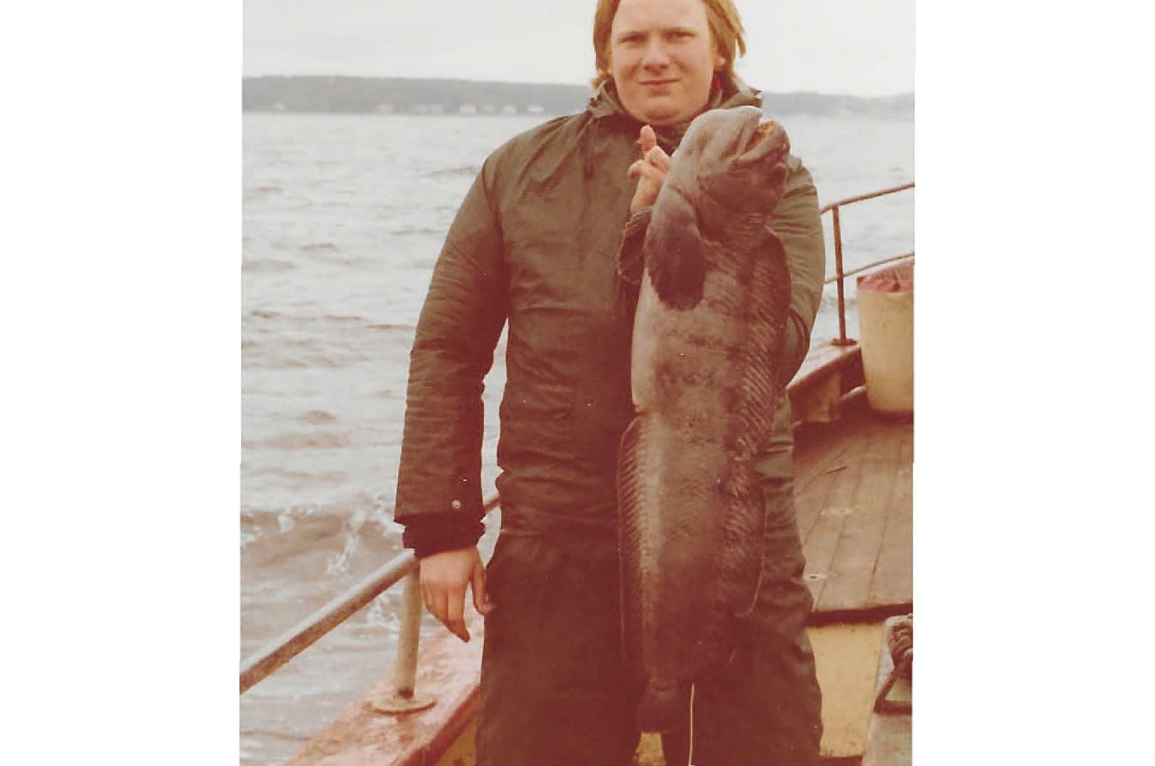 Samme vrag afgav samme dag også en pæn havkat. Ulf Hansen fangede den flotte kat på 6,5 kilo. Så med både en kæmpe lange og 2 flotte havkatte var det turen, der aldrig går i glemmebogen.